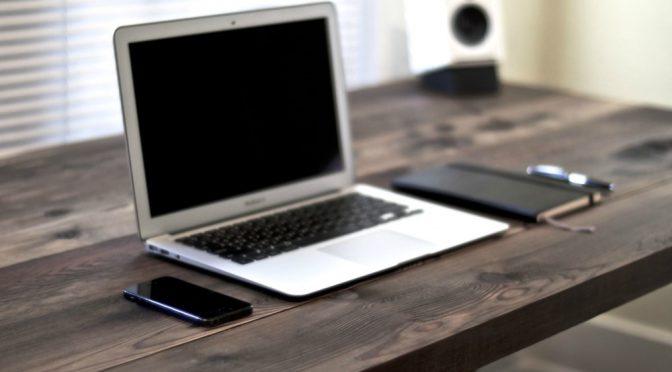 Jak dbać o stanowisko pracy w biurze?