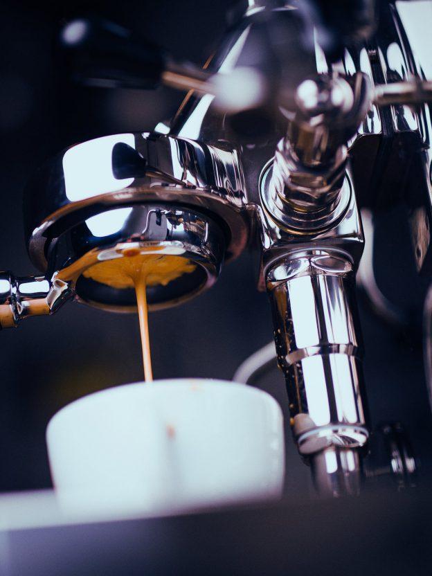 Jak wybrać ekspress do kawy